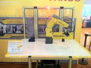 Fenceless Robot Arm